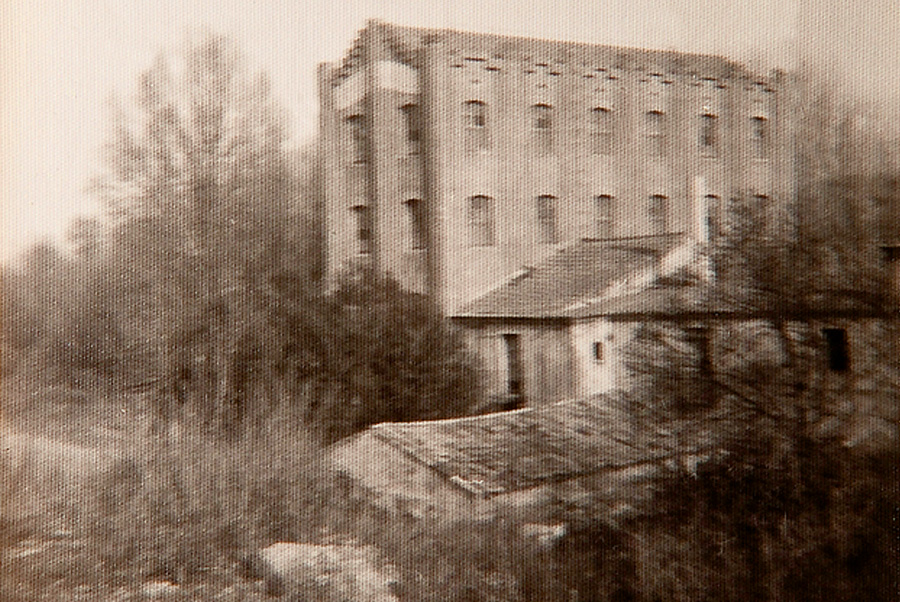 The building of La Farinera Sant Lluís in the past